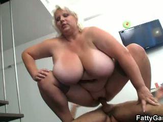 Grasso gioco: grasso vagina floppy tette spogliarello spettacolo scopata caldi video