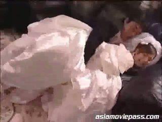 Yua aida ο νύφη και ο bestman