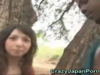 Asyano cutie sucks an aprikano!