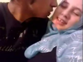 Amatore dubai i eksituar hijab vajzë fucked në shtëpi - desiscandal.xyz