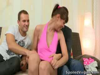 Rina isn't prea sigur despre doing ea cu two guys. hell, ea isn't chiar prea sigur despre losing ei virginity, poate unele