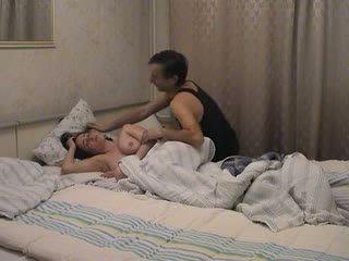 بابا awakes و fucks لها فيديو
