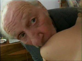 पुराना गिरोह members paying कुछ sluts को बकवास वीडियो