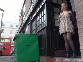 Blonde amateur exhibitionist Amber Wes...