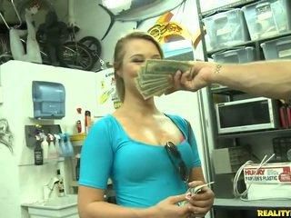 Jmac convinces lindsay till gå alla den sätt för en pengar