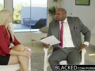 Blacked ব্যবসায় সাদা anikka albrite পাছা হার্ডকোর দ্বারা একটি bbc