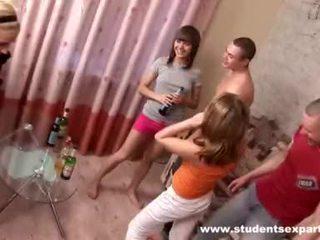 Guys drill blond und futter sie mit wichse video