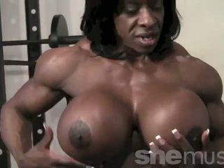 Juodaodžiai female muscle