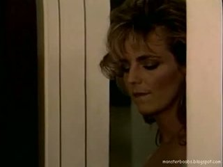 Tracey adams 暗 corner 01