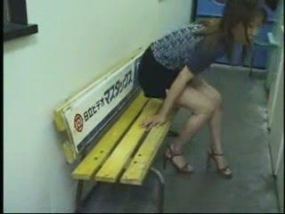 Japonais amusement en différent public places (uncensored)