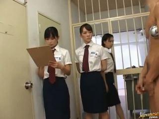 Japans av model in een piss video-