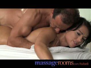 تدليك rooms شاب مراهقون الحصول على pounded من خلف حتى النشوة و امرأة سمراء