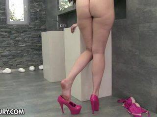 з'їсти її ноги, фут фетиш, сексуальні ноги