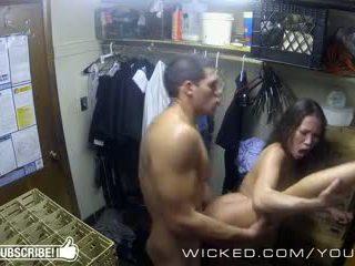 Paha - kalina ryu gets perseestä sisään the closet