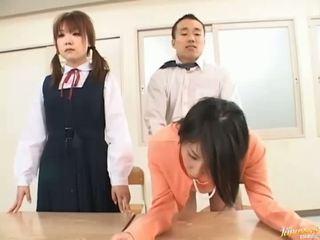 Pomo bangs hänen sihteeri