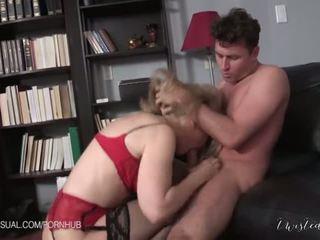Nina hartley είναι ένα slutty corporate stepmother - πορνό βίντεο 551