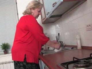 Gorda abuelita en la cocina r20