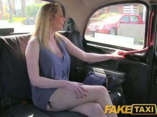 Faketaxi e pisët britanike grua më e madhe është i lumtur në qij the london taxi driver