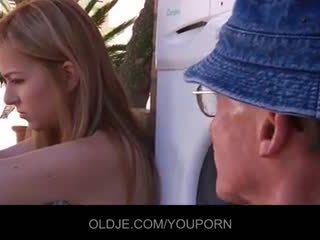 हॉर्नी spoiled टीन होती हे फक्किंग उसकी पुराना terapeut
