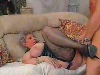 Ένα τεράστιος titted μητέρα που θα ήθελα να γαμήσω
