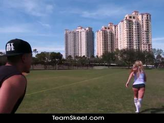 Therealworkout cochon blonde addison avery fabriqué amour après football formation