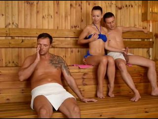 Taylor sands sauna throat strana