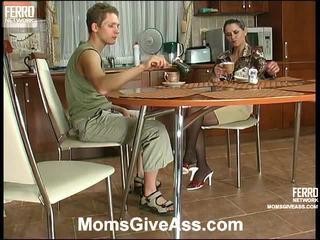 Birleşmek of emilia, gilbert, benjamin by moms give göt