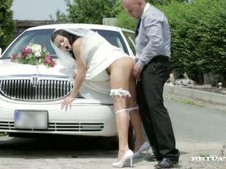 Εδώ cums ο νύφη