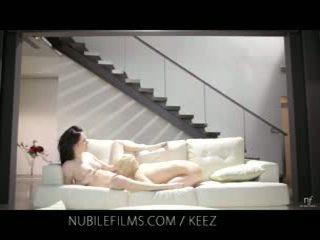 Aiden ashley - nubile filma - lezbike lovers pjesë e ëmbël pidh juices
