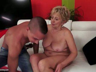 Pieptoasa plinuta grandmas sex compilatie