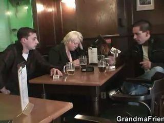 Two dudes bang totally dronken oma