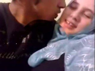 Amatér dubai nadržený hijab dívka fucked na domácí - desiscandal.xyz