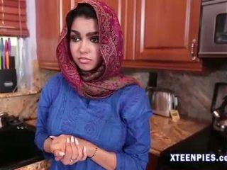 Sexy arab utie ada creampied da grande cazzo dopo scopata