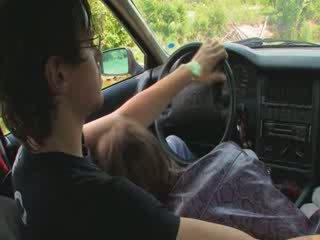 Zoçkë letoneze vajzë fucked në the makinë