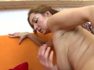 Incroyable mature pas mère fucks son jeune lover: hd porno 5b