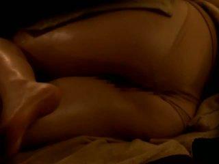 Reluctant asiatisch ehefrau gefickt von sie masseur auf spion kamera