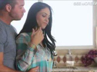 Sexy heiß mieze jasmine caro glamcore szene im die küche