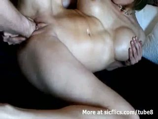Голям бюст милф double fist прецака към а див оргазъм