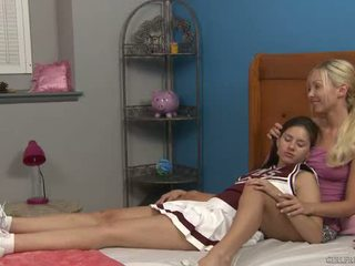 Shyla jennings et aaliyah amour à cheer camp