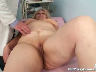 Didelis krūtys mama gets jos abu holes properly checked