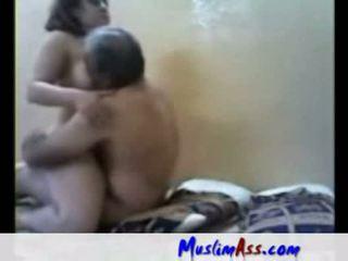 Arab pobehlica fucked podľa starý človek