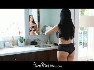 Puremature mamma takes 12-inch kuk