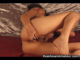 Charming ázijské amatérske nahý dildoing