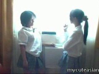 2 teenager 的lesbo 中国的 小鸡 having 性别 周围