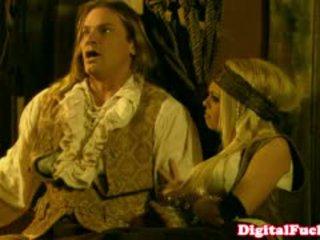 Порно зірка abbey brooks в анал костюм оргія