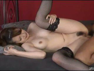 Секс с горещ космати момиче