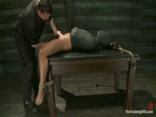 Adrianna experiences restrictive slavery và tâm dicklicking orgasms onto ngày 3.