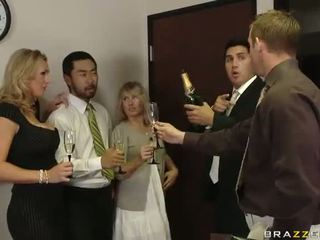 英國的 媽媽我喜歡操 tanya tate having 性別 在 該 辦公室 視頻