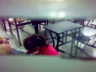 Скрит camera bj при на класна стая