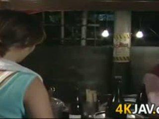 পুর্ণবয়স্ক জাপানী বালিকা getting হার্ডকোর